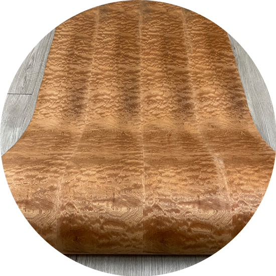 Veneer tự nhiên Sụn Nu gỗ Hồng kt: 600*2500 mm - VN 11